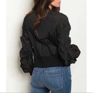 Top chic Jackets & Coats - Black Pleated Sleeves Wind Break Bomber